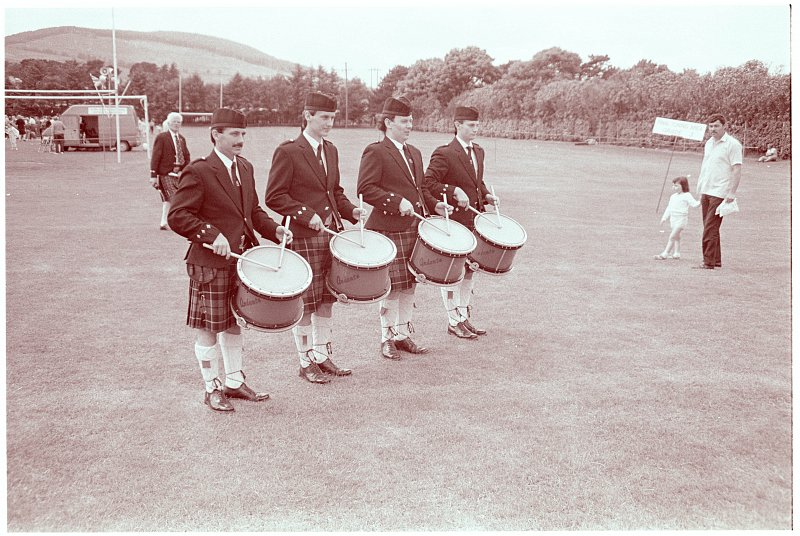 Banbridge Pipe Band in the early 80's with one of the very first sets of Andante Drums.